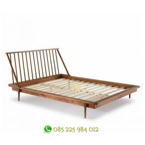 tempat tidur scandinavian