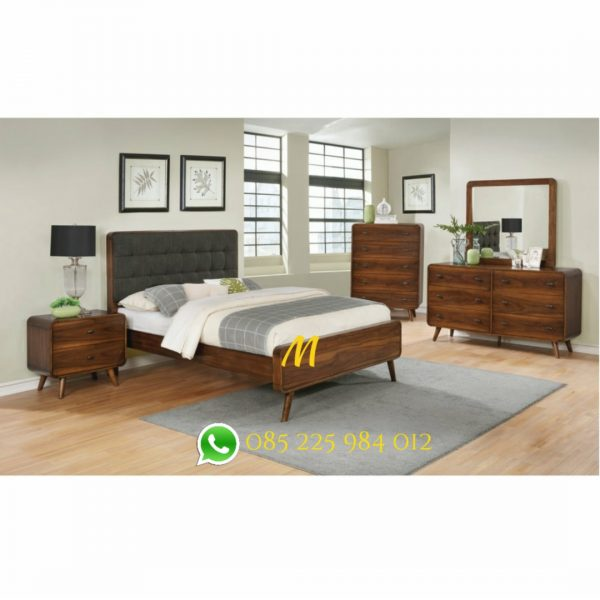 tempat tidur retro kayu